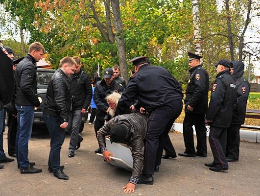«Есенинская Русь» превратилась в путинскую паРашу: торжества совместили с арестами