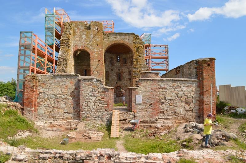 Новгородский храм XII века накроют прозрачным куполом