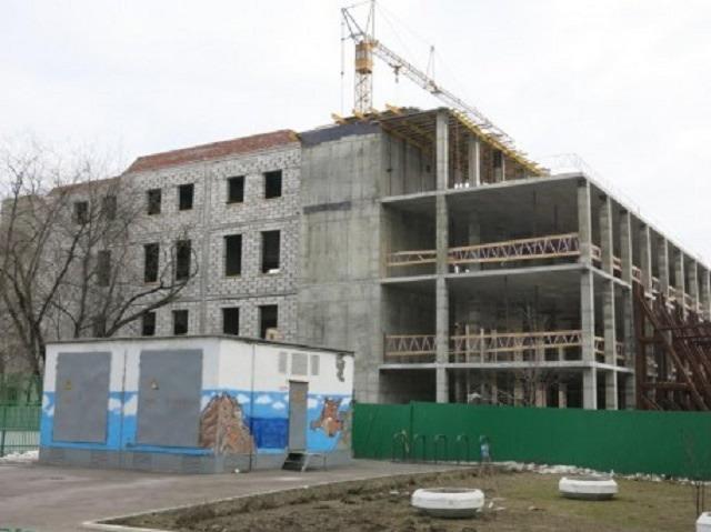Резные памятники Автозаводская (14 линия) Мемориальный комплекс с барельефом в человеческий рост Малмыж