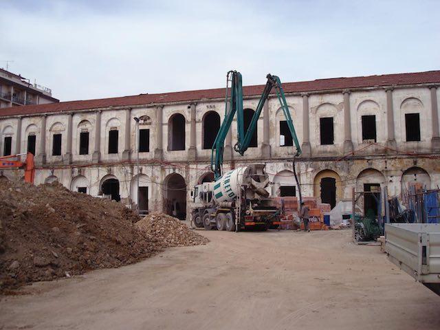 VillaSanDonato_chantier_façade_principale.jpg